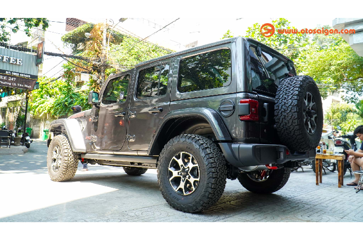 Can canh Jeep Wrangler Unlimited Rubicon hon 4 ty o Sai Gon-Hinh-10