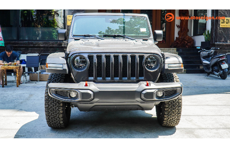 Can canh Jeep Wrangler Unlimited Rubicon hon 4 ty o Sai Gon-Hinh-2