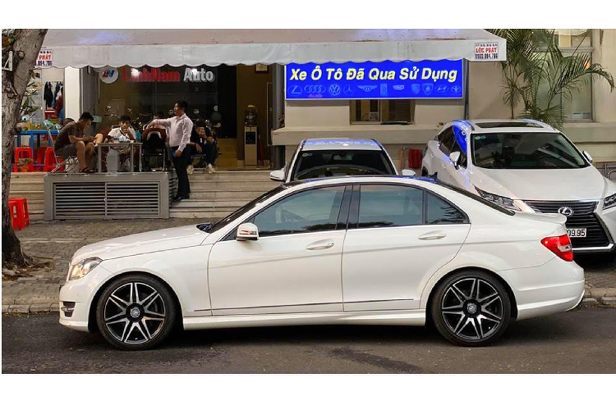 Can canh Mercedes-Benz C300 AMG Plus chi 860 trieu o Sai Gon-Hinh-2