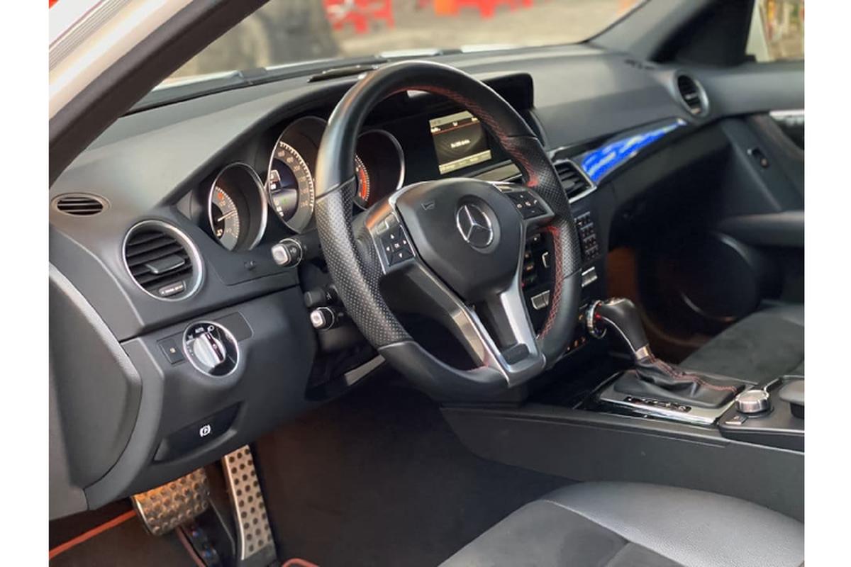 Can canh Mercedes-Benz C300 AMG Plus chi 860 trieu o Sai Gon-Hinh-3
