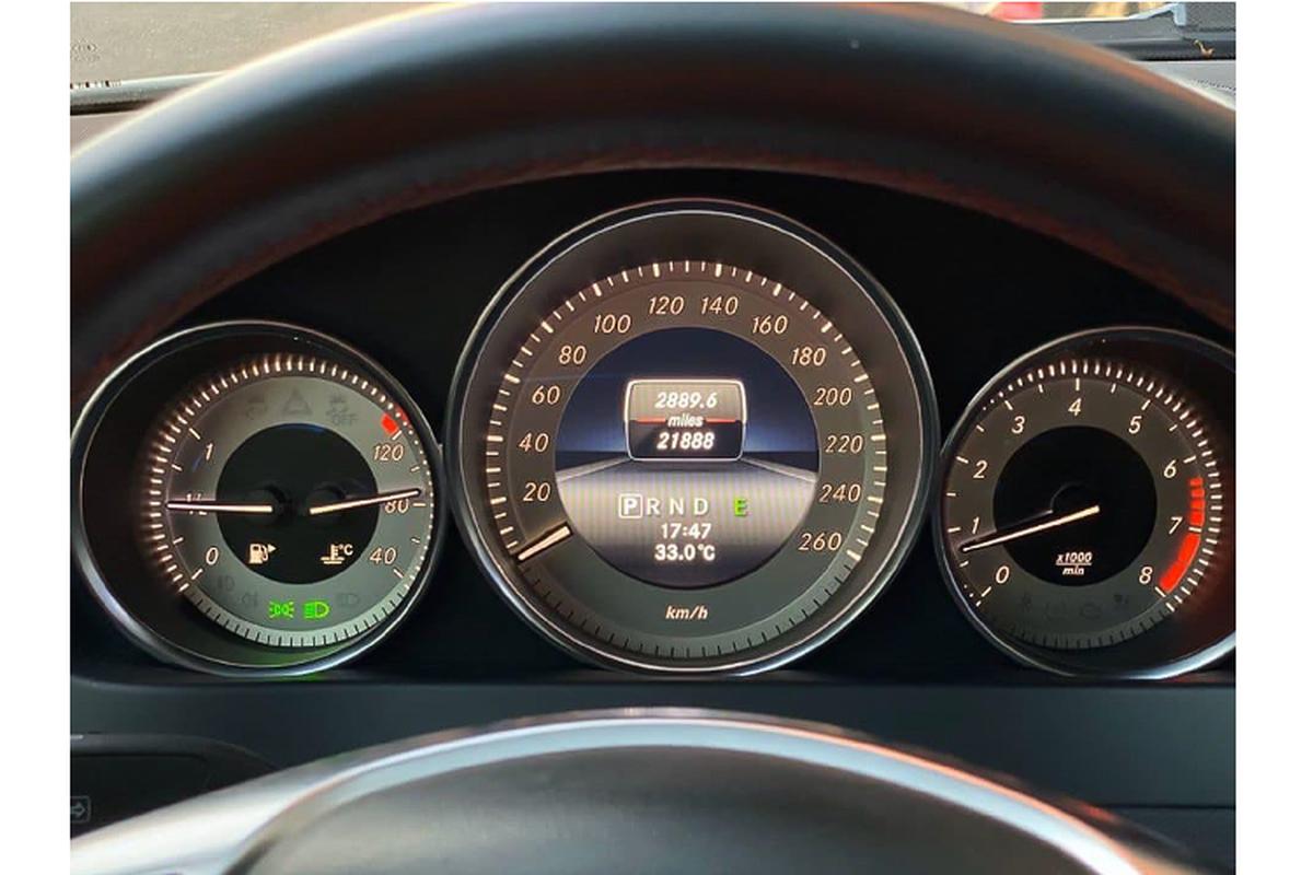 Can canh Mercedes-Benz C300 AMG Plus chi 860 trieu o Sai Gon-Hinh-4