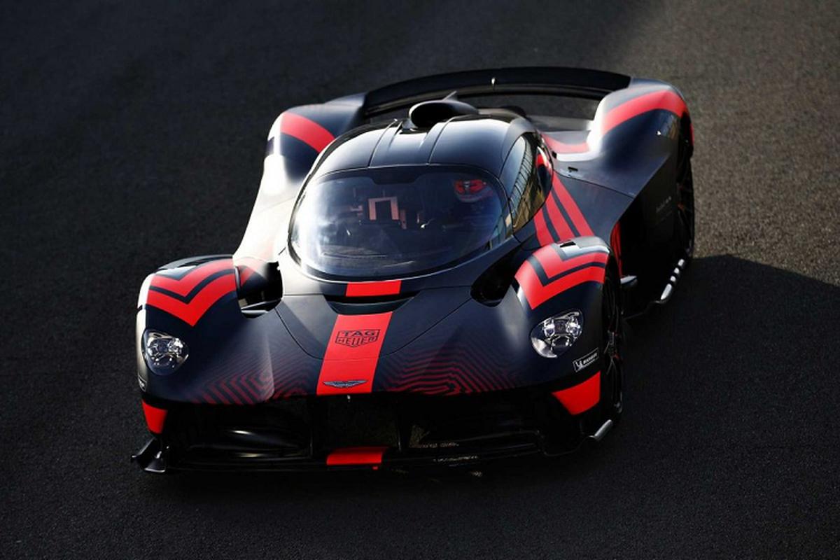 Hai tay dua F1 cam lai Aston Martin Valkyrie tren duong dua-Hinh-4