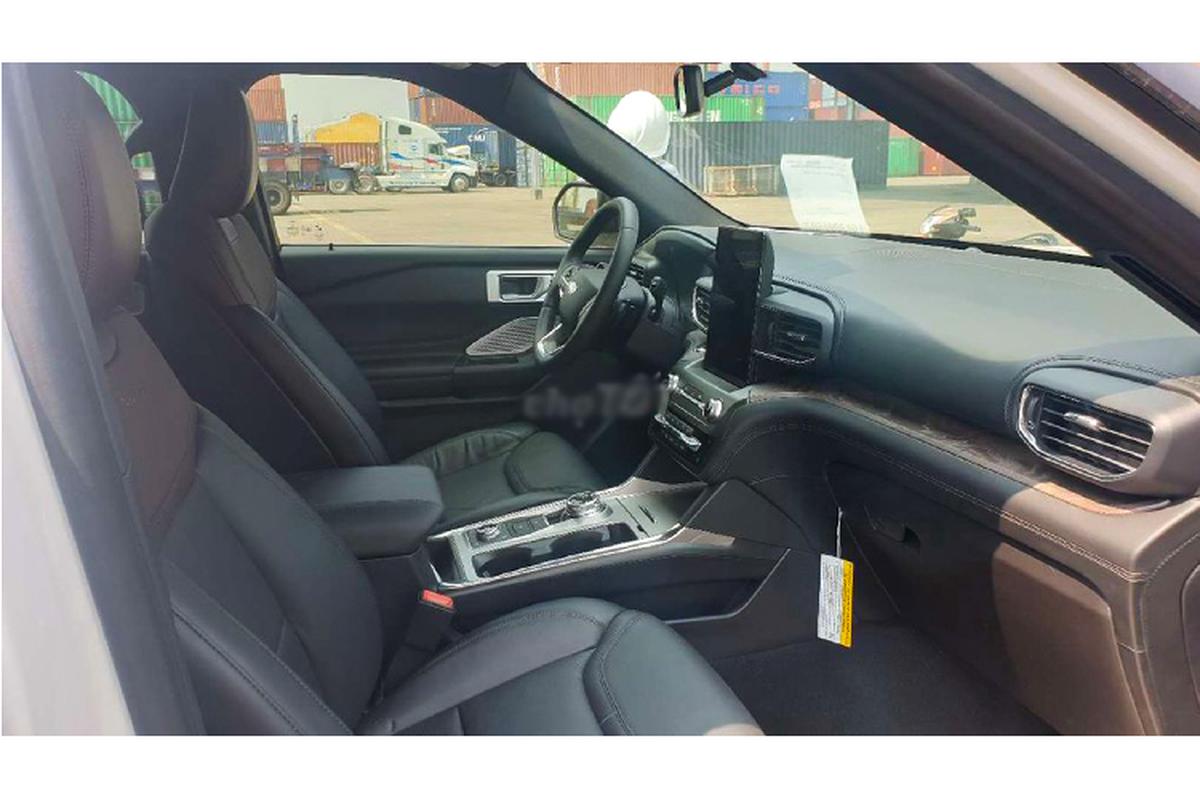 Can canh Ford Explorer Platinum 2020 hon 4 ty tai Viet Nam-Hinh-4