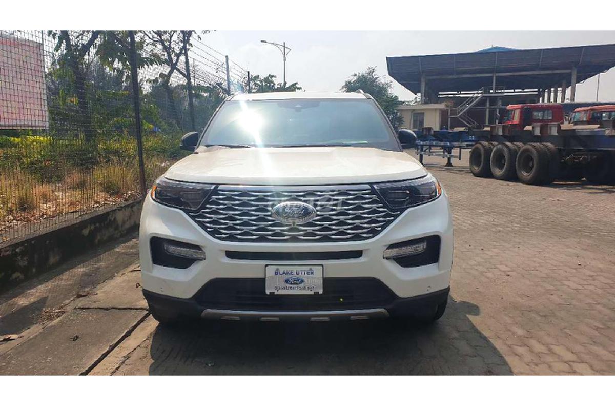 Can canh Ford Explorer Platinum 2020 hon 4 ty tai Viet Nam