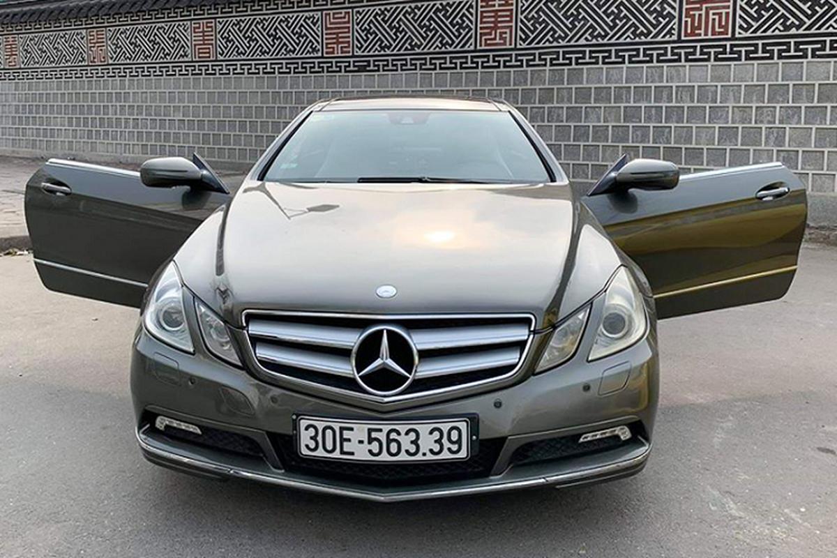 Mercedes-Benz E350 Coupe dung 10 nam, ban 860 trieu o Sai Gon