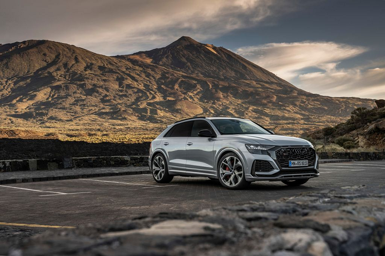 Audi RS Q8 2020 dong co 591 ma luc hon 2,6 ty dong