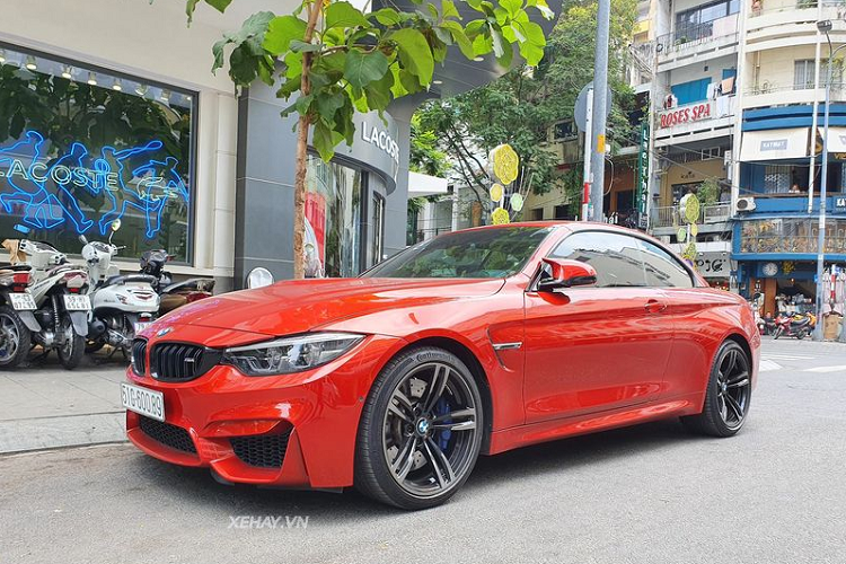 Cham mat BMW M4 Convertible hang hiem tren pho Sai Thanh