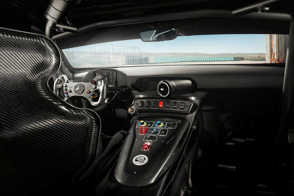 Mercedes-AMG GT4 2020 - dien mao moi, hieu nang vuot troi-Hinh-4