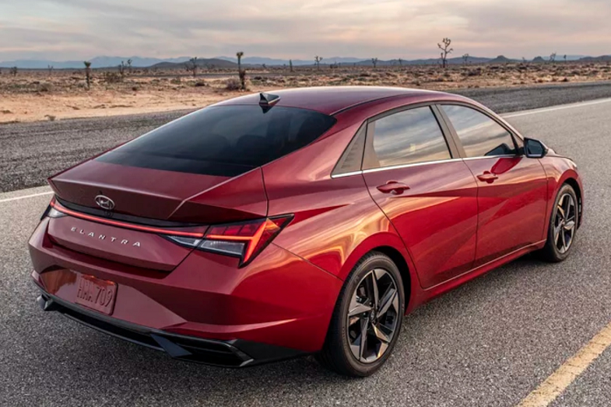 Hyundai Elantra 2021 trinh lang, to hon doi thu Honda Civic-Hinh-2