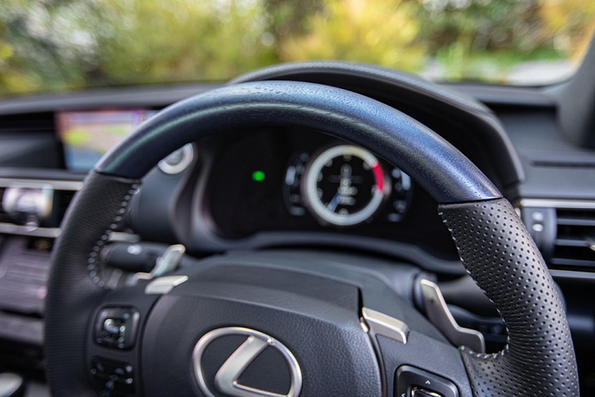 Ra mat Lexus IS 300 va 350 dac biet, gioi han 150 chiec-Hinh-7