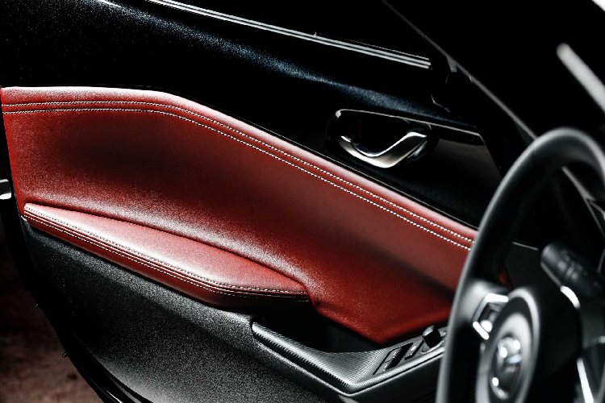 Ra mat Mazda MX-5 Eunos Edition moi chi 900 trieu dong-Hinh-7