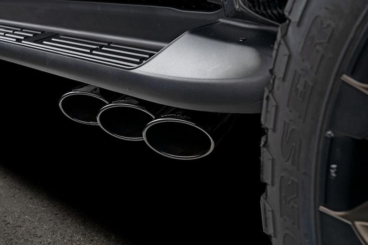 """Toyota Hilux Black Bison 2020 co du suc """"ham doa"""