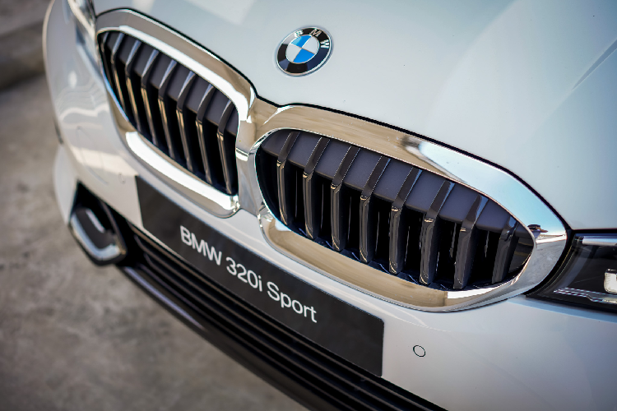 Chi tiet BMW 320i 2020