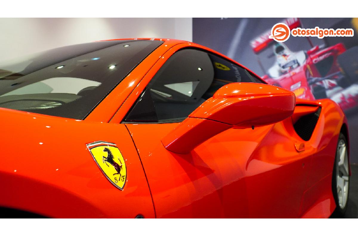 Can canh Ferrari F8 Tributo hon 30 ty dong tai Viet Nam-Hinh-6