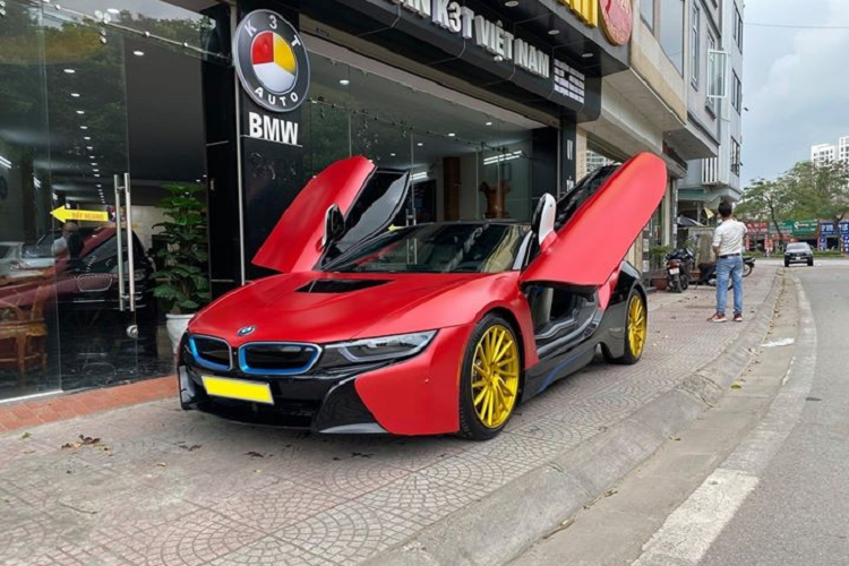 Sieu xe dinh dam mot thoi, BMW i8 chi 3,8 ty o Ha Noi-Hinh-2