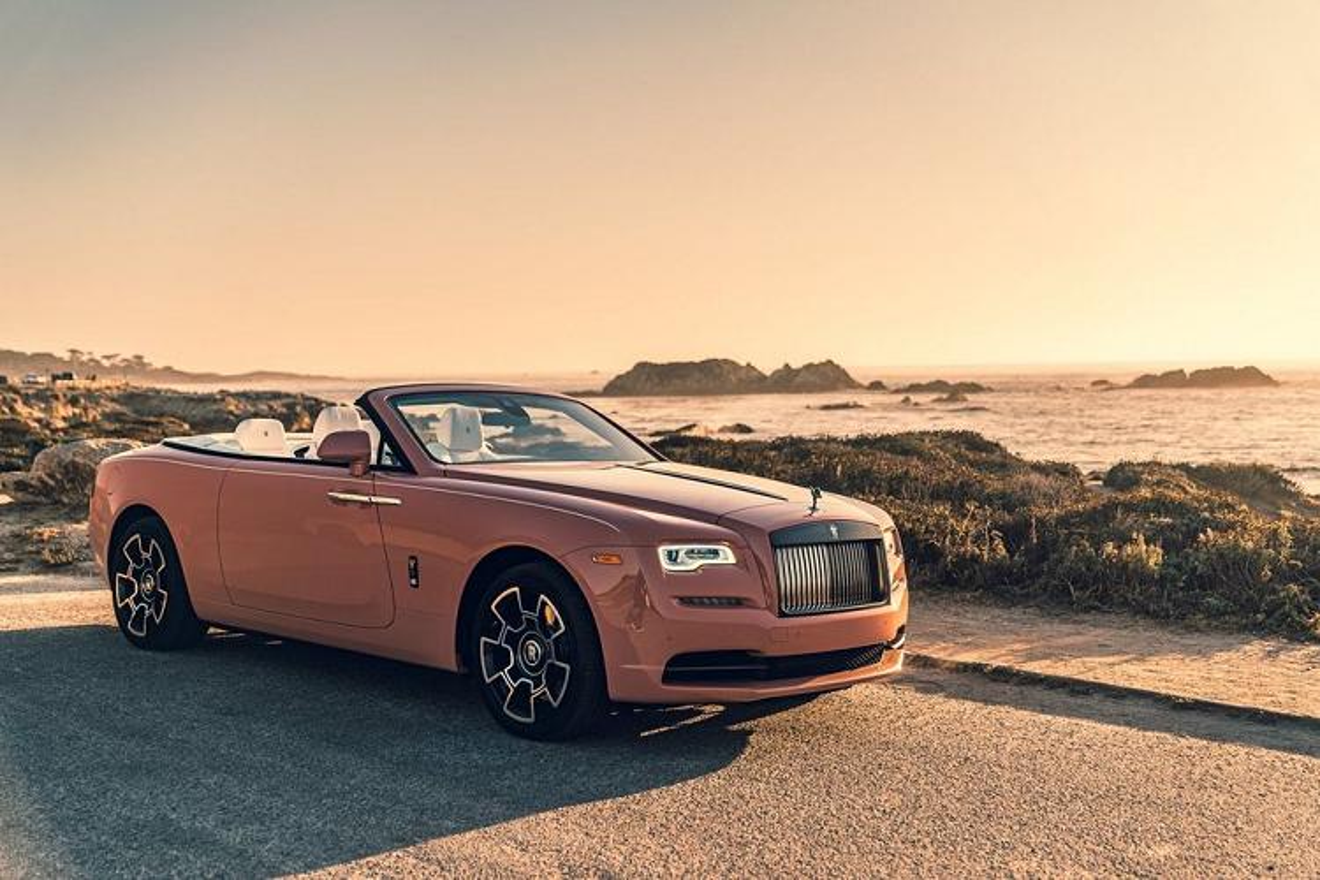 Ngam xe sieu sang Rolls-Royce Dawn dac biet Black Badge