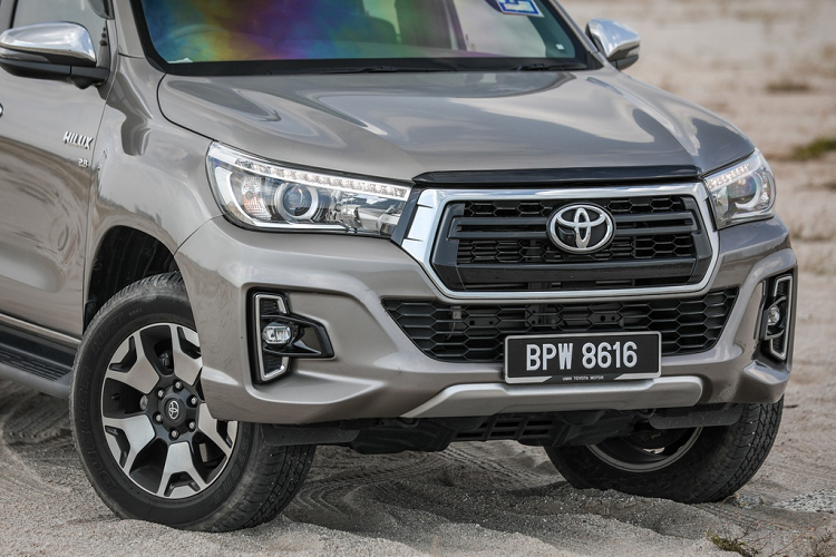 Toyota Hilux 2020 moi - thay doi dien mao, tinh chinh dong co-Hinh-2