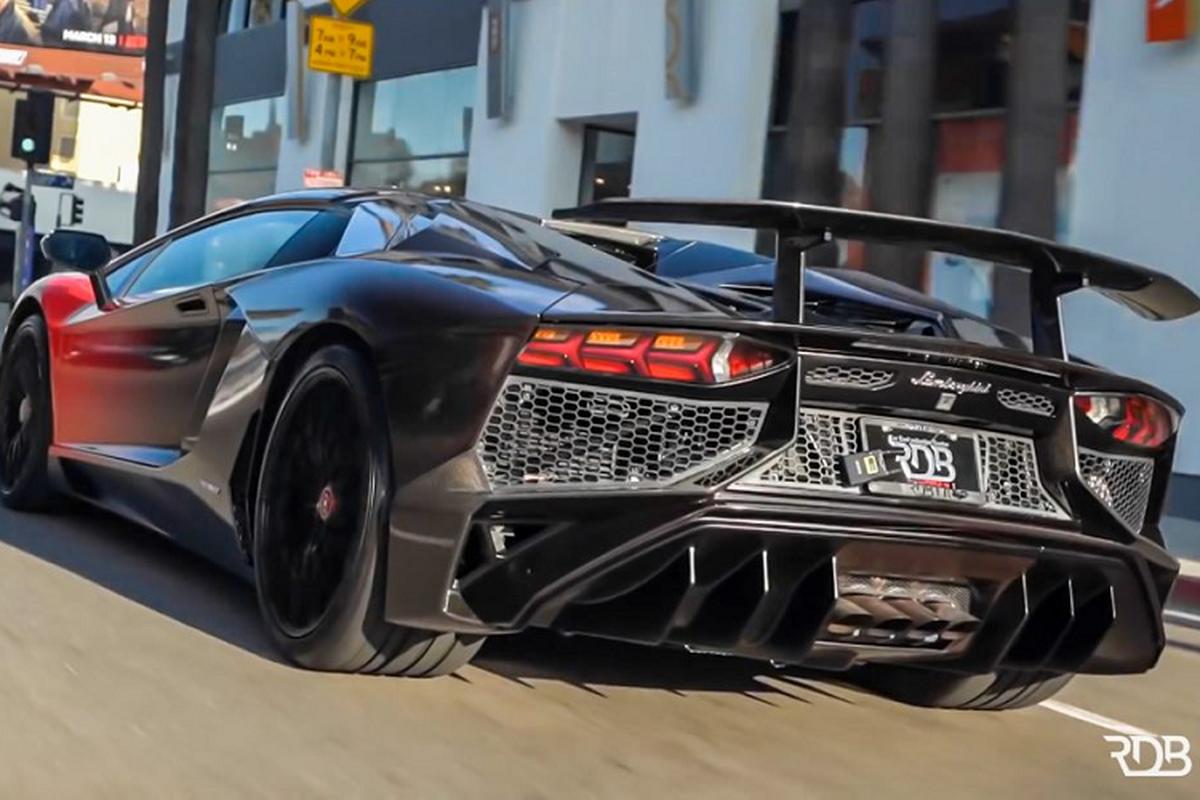 Chris Brown lai thay ao cho Lamborghini Aventador SV Roadster-Hinh-5