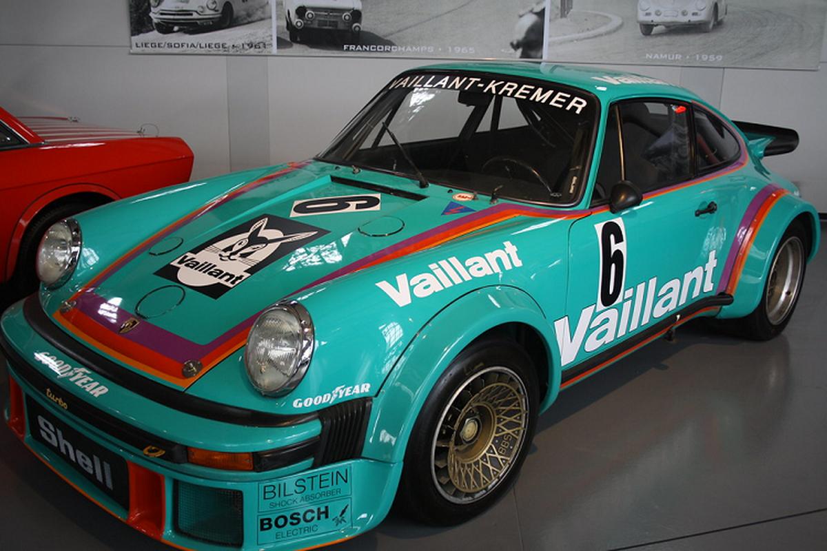 "Porsche 911 GT2 RS Clubsport ""Vaillant"" khoac mau ao huyen thoai-Hinh-7"