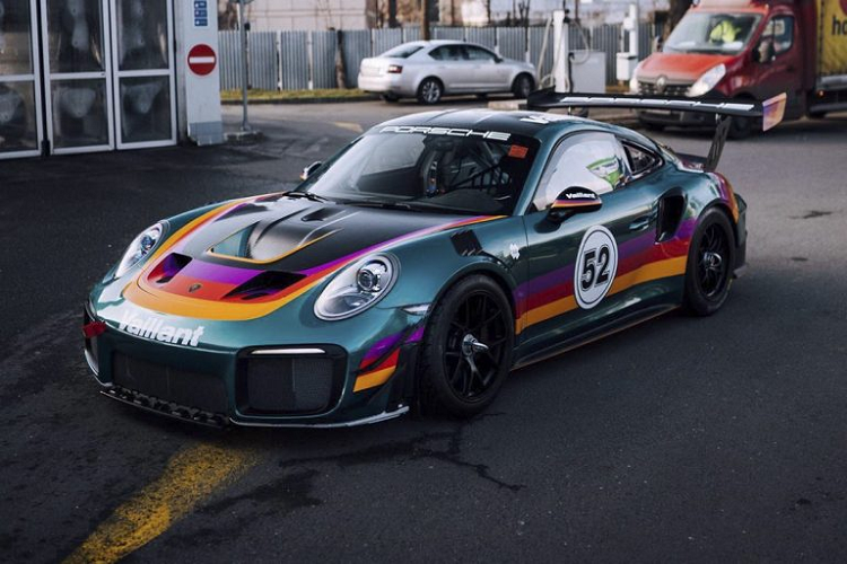"Porsche 911 GT2 RS Clubsport ""Vaillant"" khoac mau ao huyen thoai"
