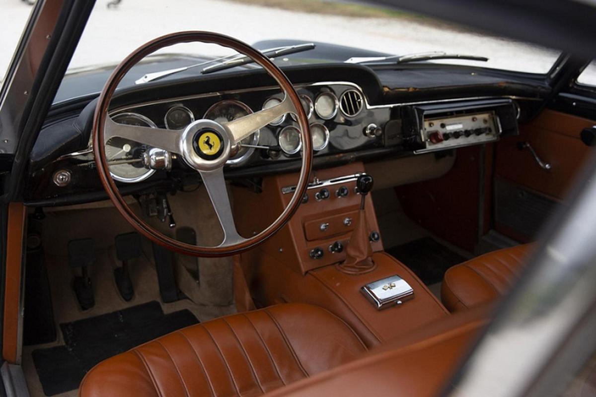 Dau gia sieu xe Ferrari 250 GTE cua canh sat Rome-Hinh-8