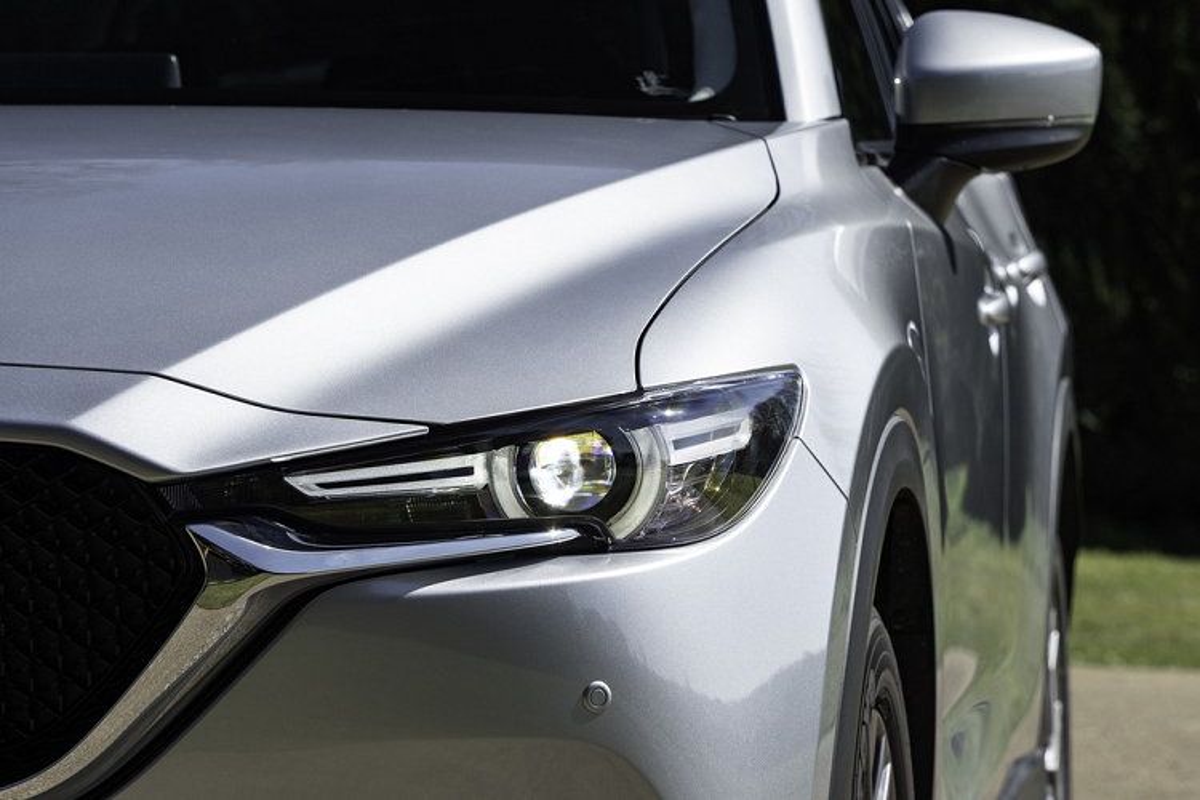 Mazda CX-5 2020 tu 33.000 USD, them mau moi