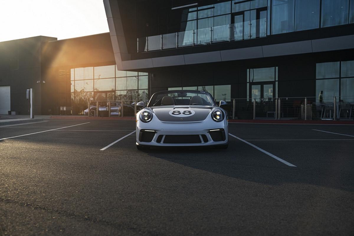 Sieu xe Porsche 911 cuoi cung hon 11,7 ty dong gay quy COVID-19-Hinh-3