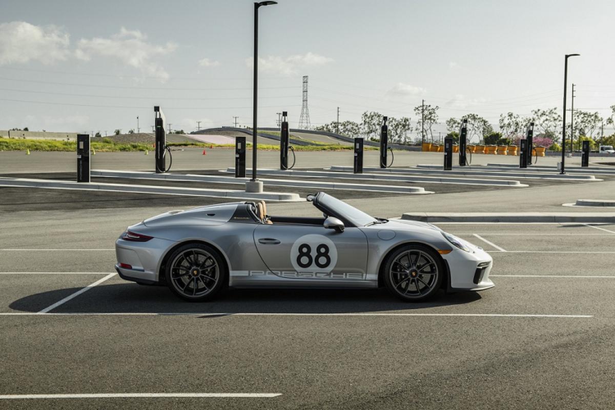 Sieu xe Porsche 911 cuoi cung hon 11,7 ty dong gay quy COVID-19-Hinh-4