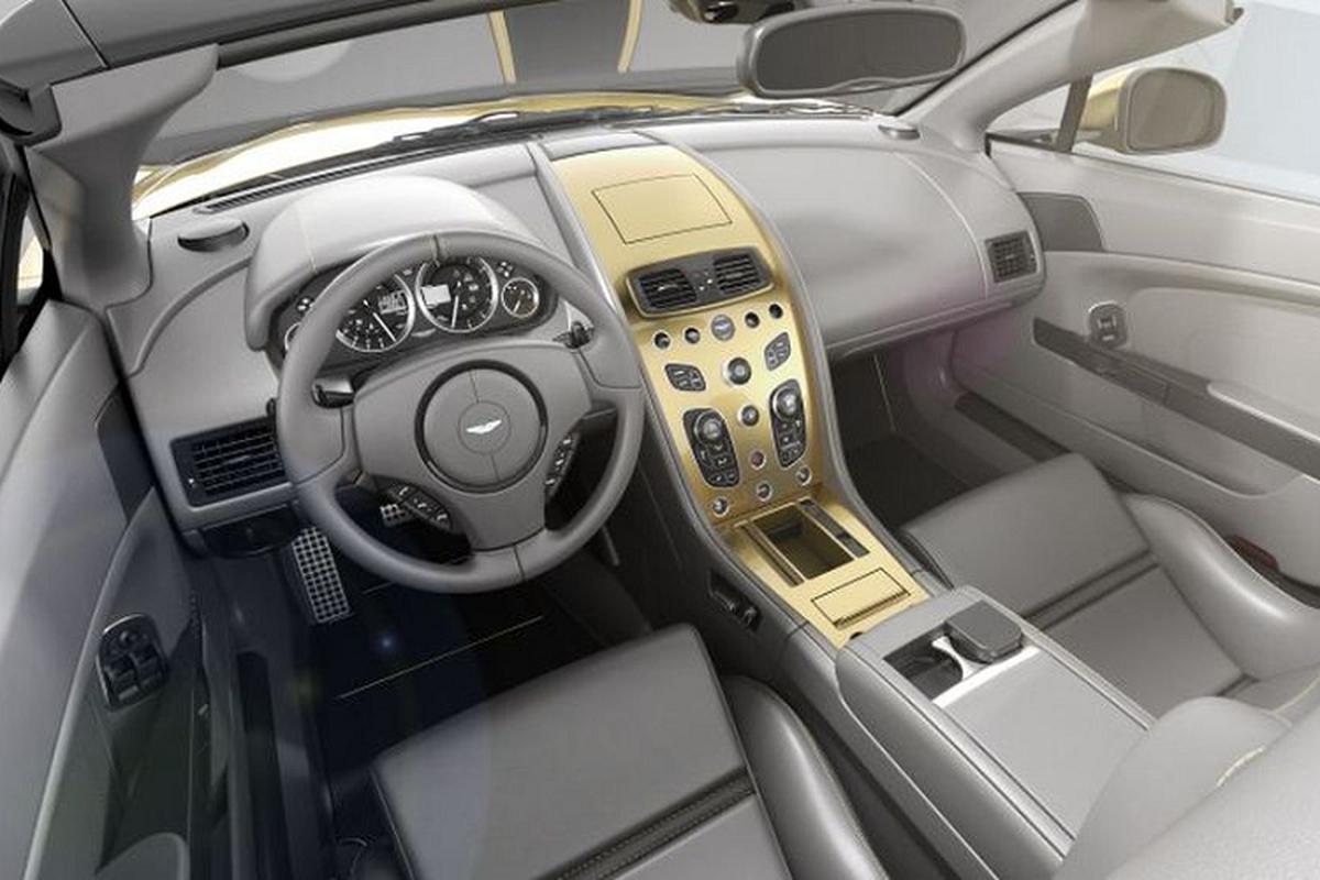 Bo doi Aston Martin Vantage V12 ky niem 100 nam co gi dac biet?-Hinh-5
