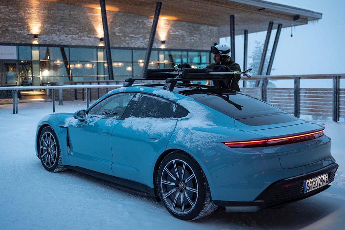 Sieu xe dien Porsche Taycan 4S gia re chi tu 2,43 ty dong-Hinh-3