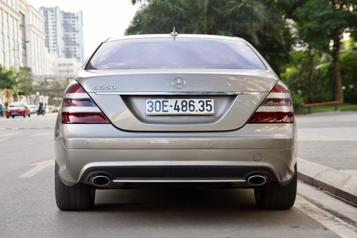 Xe sang Mercedes-Benz S550 dung 10 nam, gia ngang Mazda3-Hinh-3