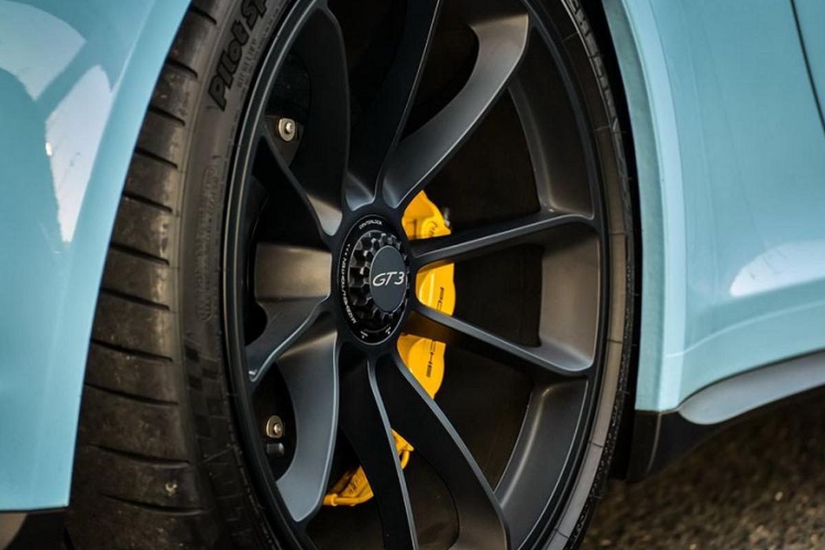 """Porsche 911 GT3 """"sieu luot"""" chay 2 nam co gi de...re?-Hinh-3"""