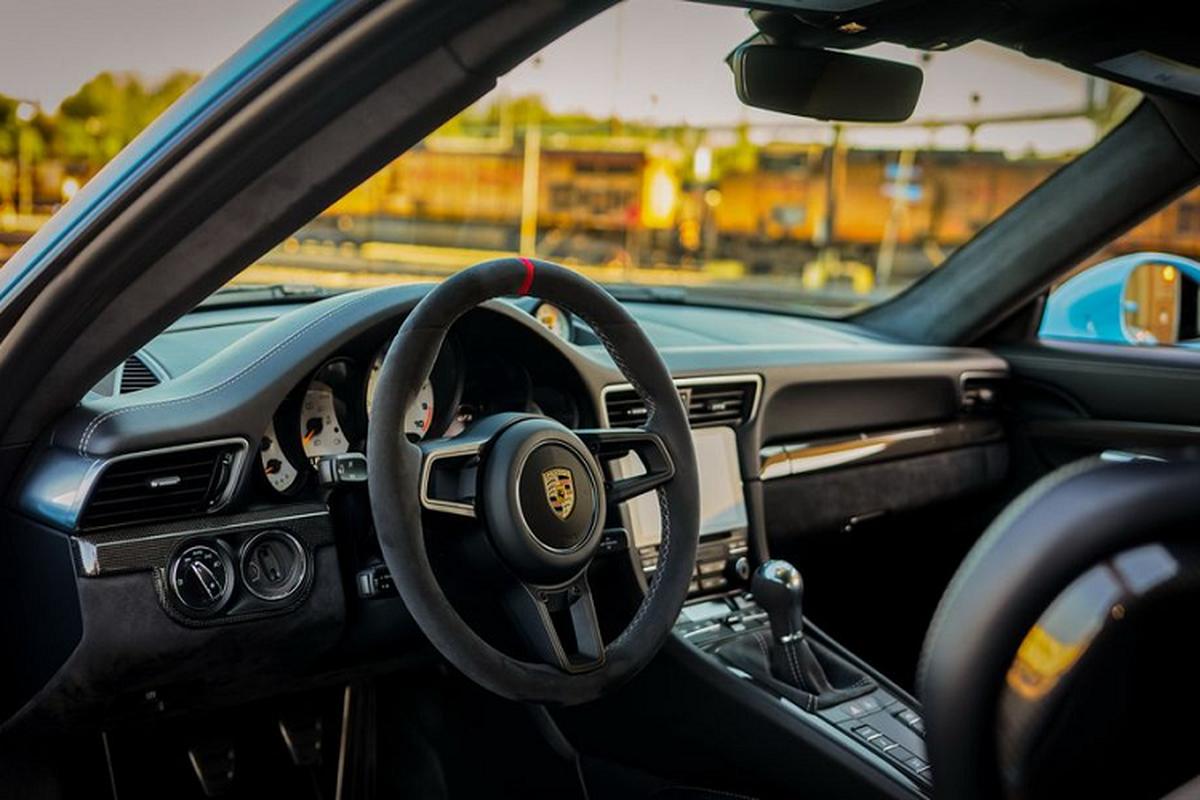 """Porsche 911 GT3 """"sieu luot"""" chay 2 nam co gi de...re?-Hinh-6"""