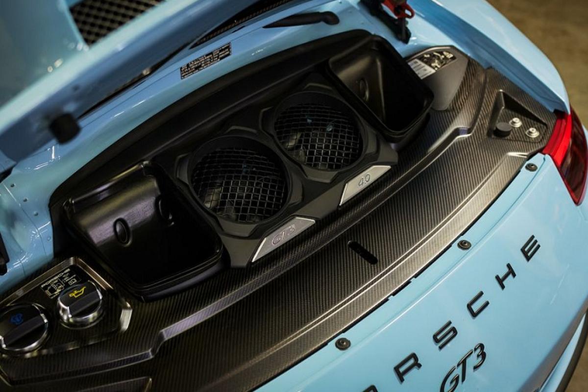 """Porsche 911 GT3 """"sieu luot"""" chay 2 nam co gi de...re?-Hinh-7"""