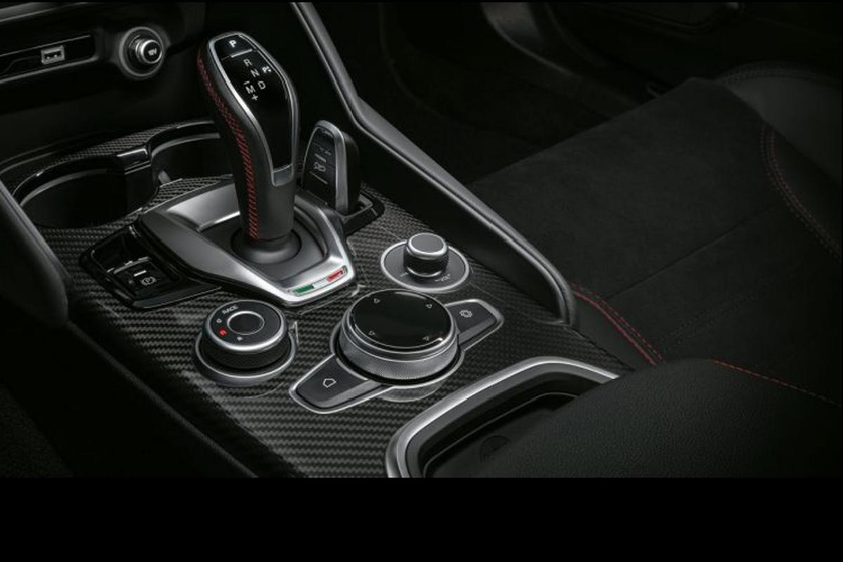 Ra mat Alfa Romeo Giulia va Stelvio Quadrifoglio 2020 moi-Hinh-5