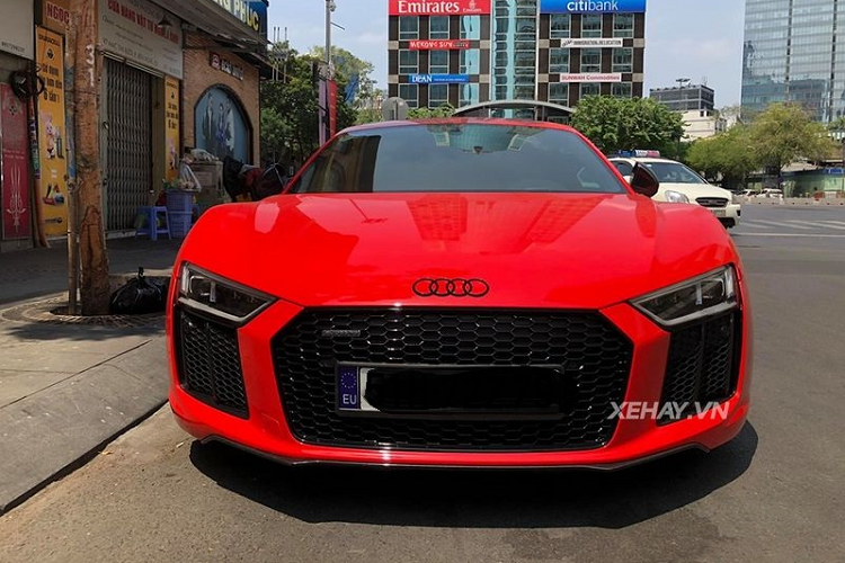 Sieu xe Audi R8 V10 Plus do ruc duoi nang Sai Gon-Hinh-2