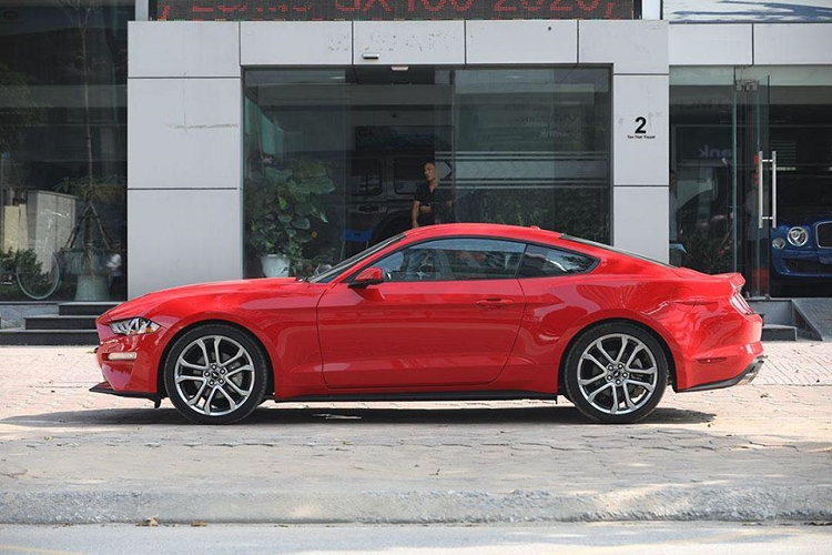 Can canh Ford Mustang 55th Edition hon 3 ty dong tai Ha Noi-Hinh-3