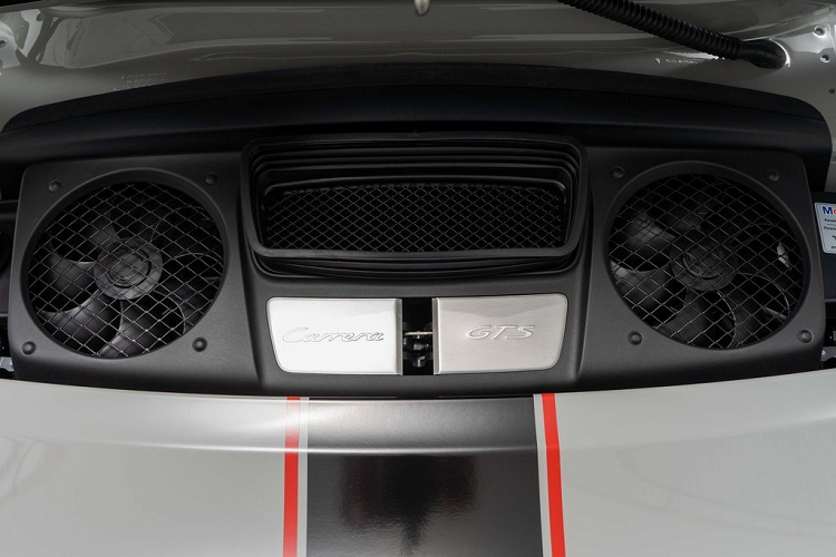 Porsche 911 Carrera GTS moi chay 66 km, chi hon 4 ty dong-Hinh-7
