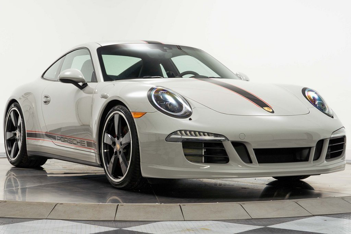 Porsche 911 Carrera GTS moi chay 66 km, chi hon 4 ty dong