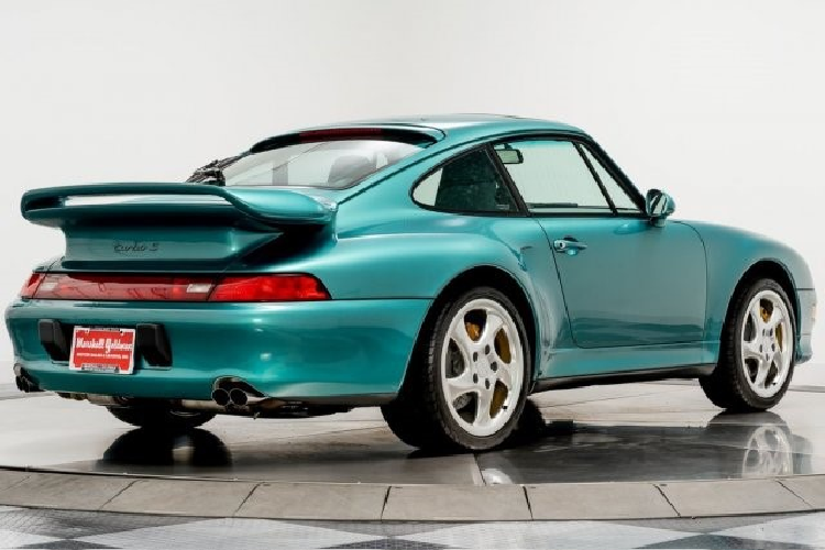 Porsche 911 Turbo S 1997 chay hon 800 km gan 800.000 USD-Hinh-2