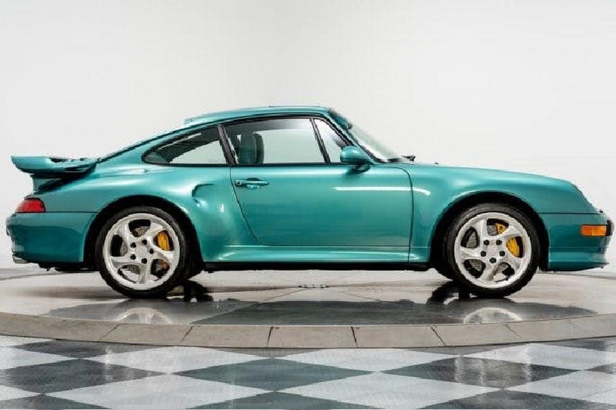 Porsche 911 Turbo S 1997 chay hon 800 km gan 800.000 USD-Hinh-3