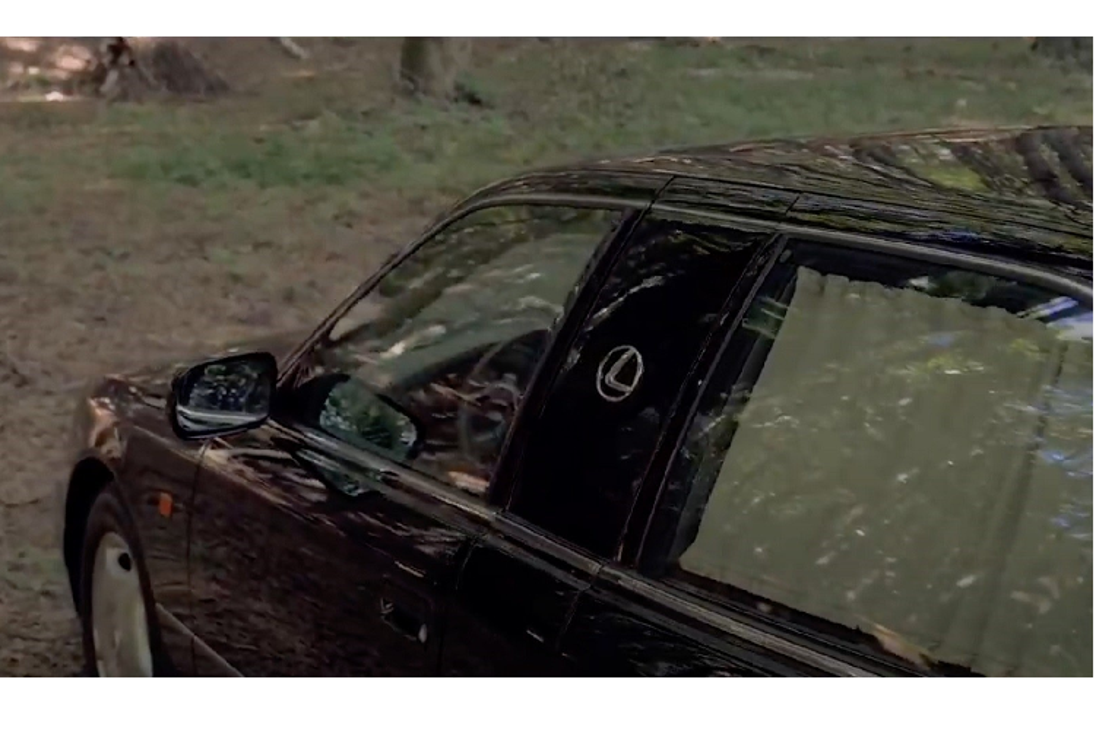 "Lexus LS400 ""dai ngoang"" cua Tieu vuong A-Rap chi 991 trieu dong-Hinh-3"