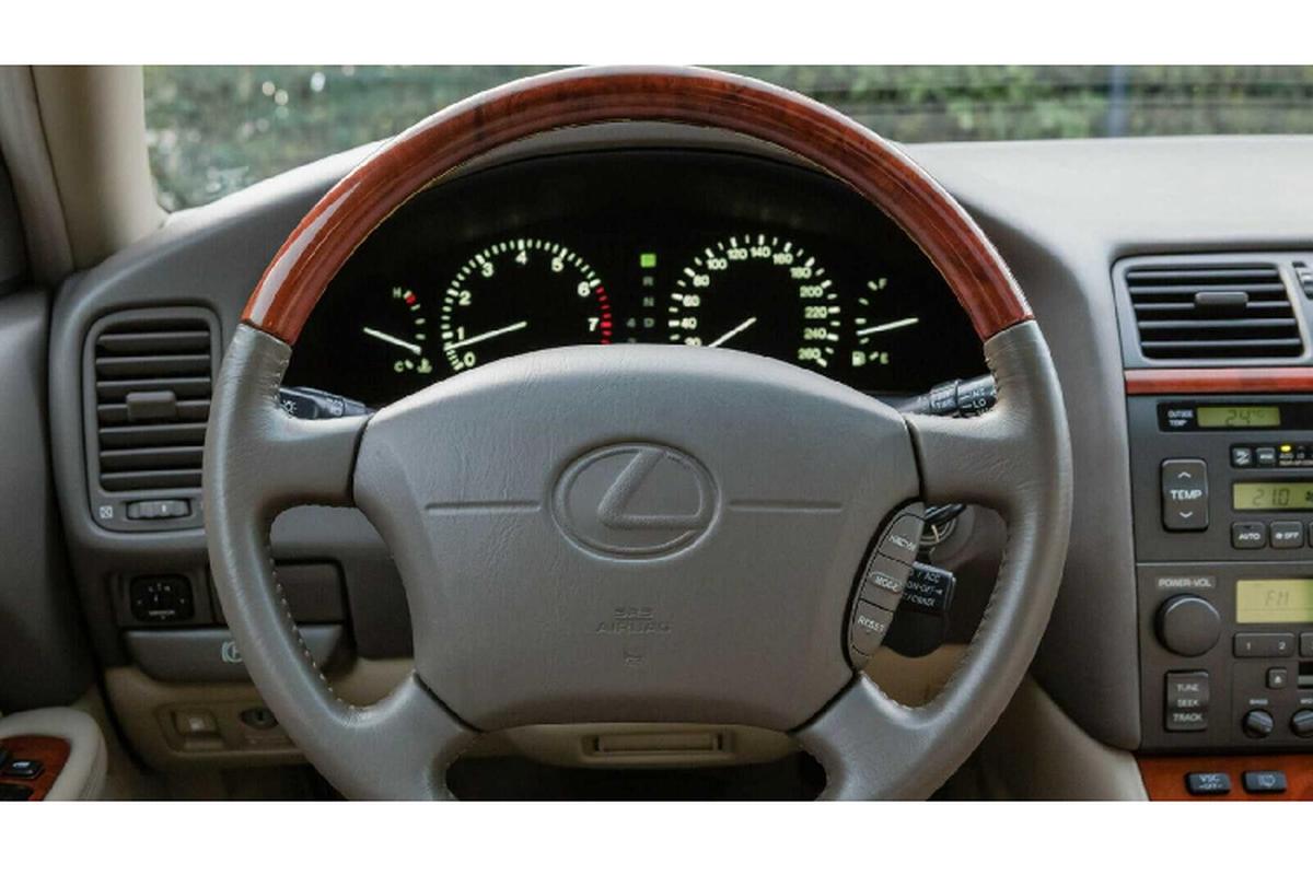 "Lexus LS400 ""dai ngoang"" cua Tieu vuong A-Rap chi 991 trieu dong-Hinh-8"