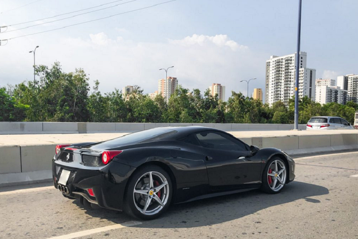 """Sieu ngua"" Ferrari 458 Italia dau tien ve Viet Nam tai xuat-Hinh-3"