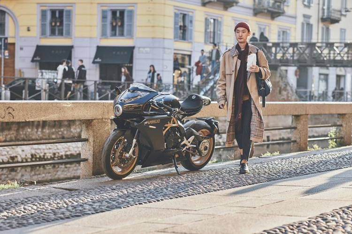 Ngam sieu moto MV Agusta Superveloce Ottocento tu 505 trieu dong-Hinh-6