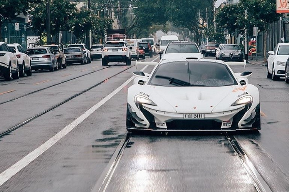 "Sieu xe ""2 trong 1"" McLaren P1 GTR lan dau luot pho"