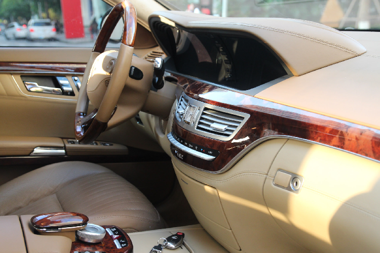 Can canh Mercedes-Benz S600 V12 chi 1,3 ty dong o Ha Noi-Hinh-3