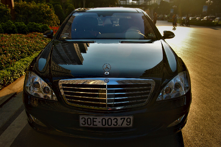 Can canh Mercedes-Benz S600 V12 chi 1,3 ty dong o Ha Noi