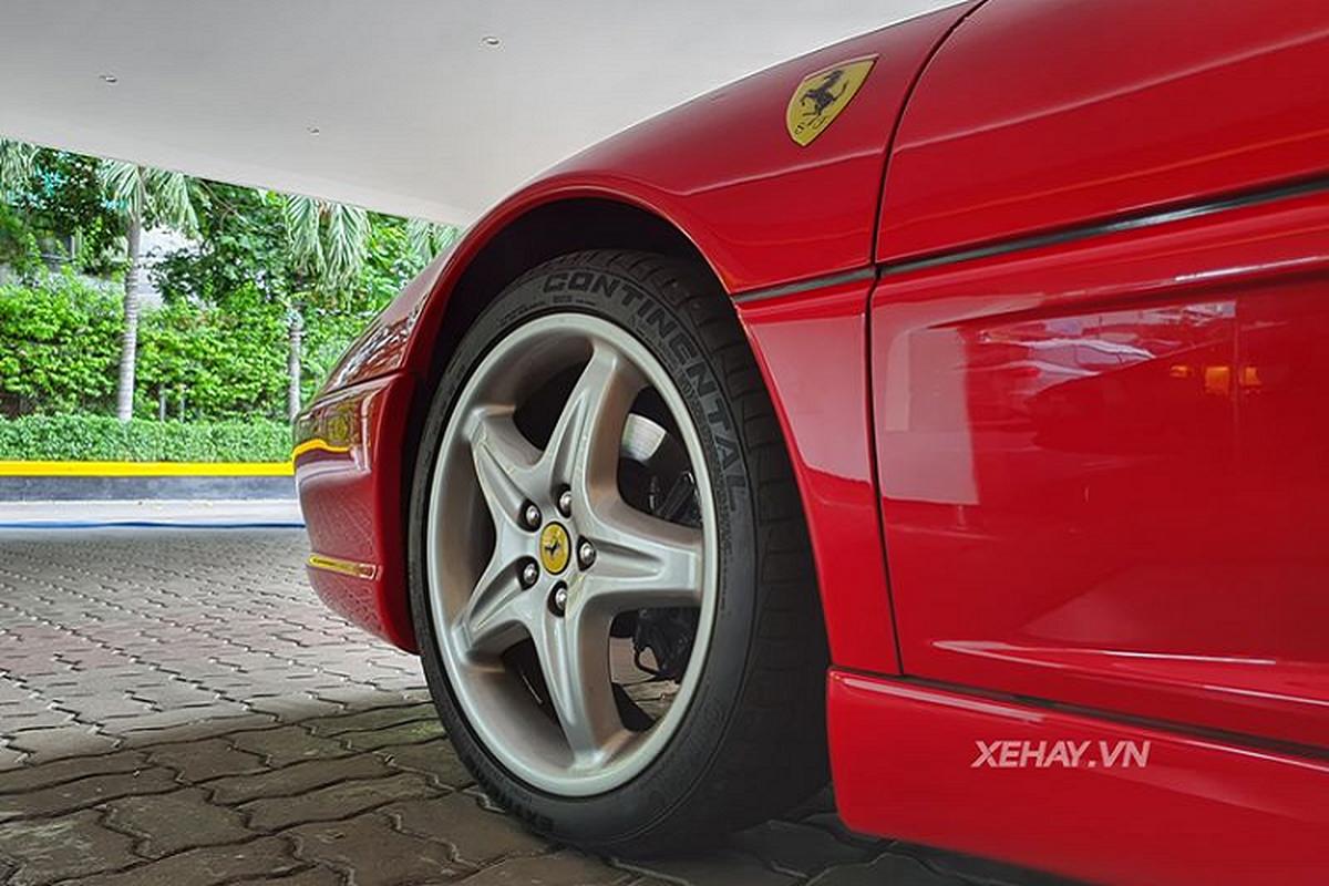 Dien kien Ferrari 355 F1 Spider hon 20 tuoi tai Sai Gon-Hinh-4