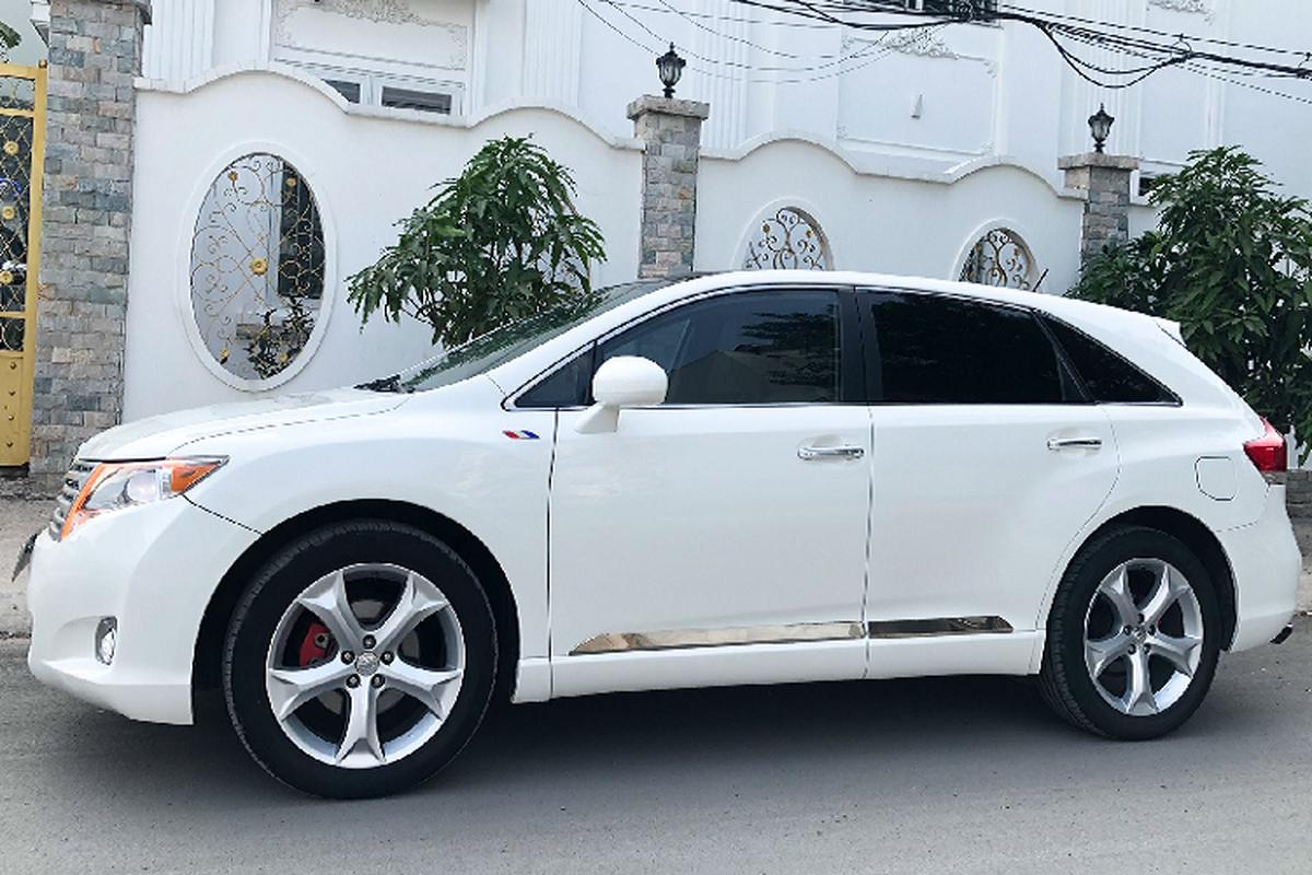 Co nen chi gan 700 trieu dong mua Toyota Venza cu tai Viet Nam?